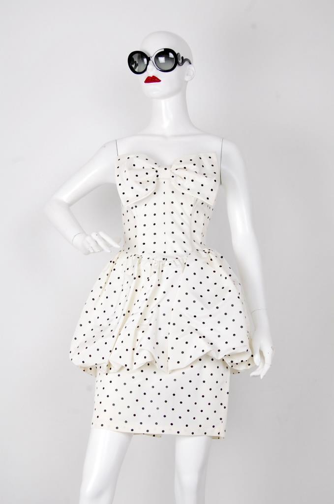 ADR001530 ホワイトドッド柄ドレス