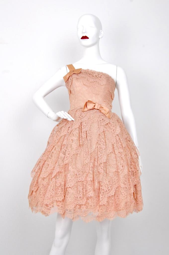 ADR001552 ベージュレースドレス