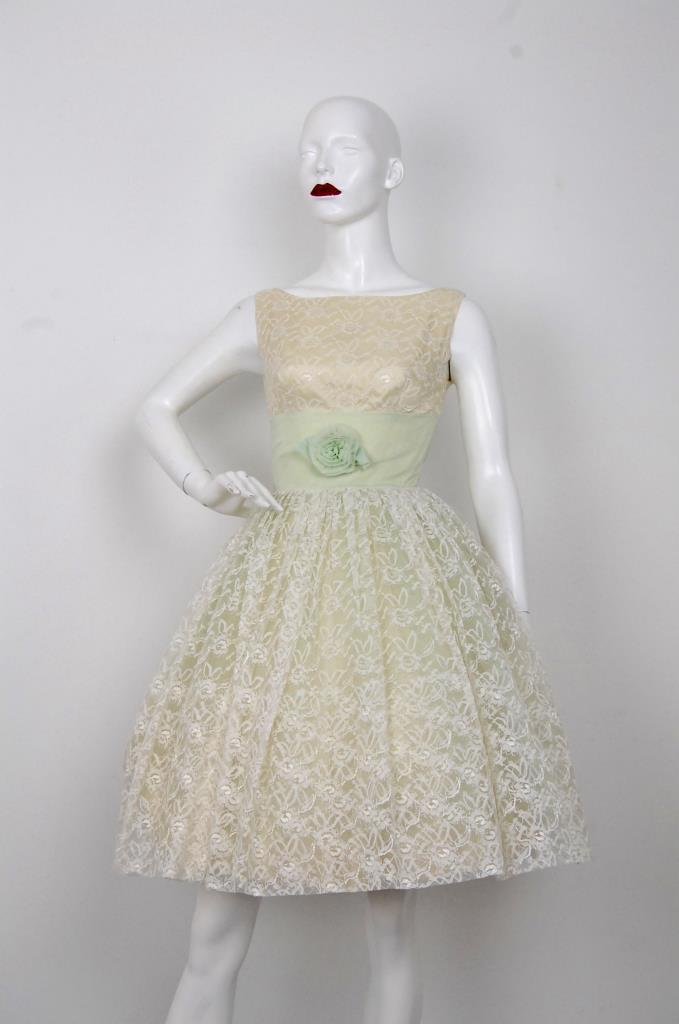ADR001562 イエローレースドレス