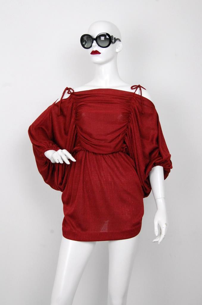 ADR001578 レッドギャザースリーブドレス