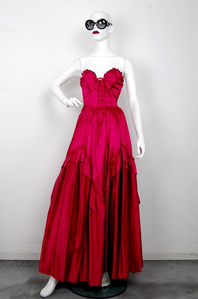 ADR001607 レッドベアギャザードレス