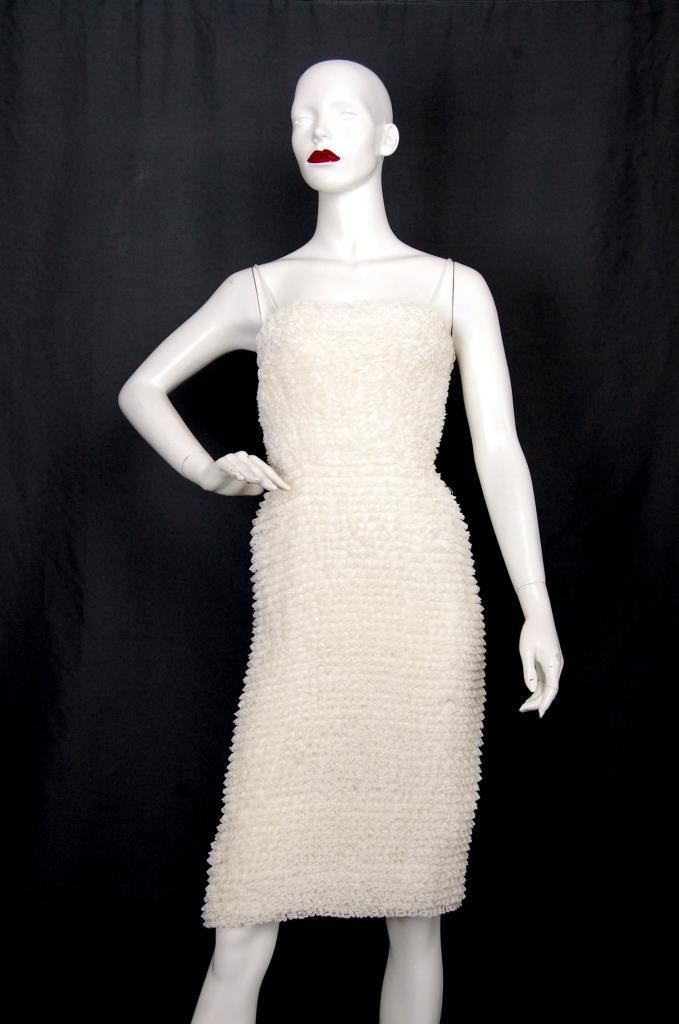 ADR001626 ベージュレースドレス