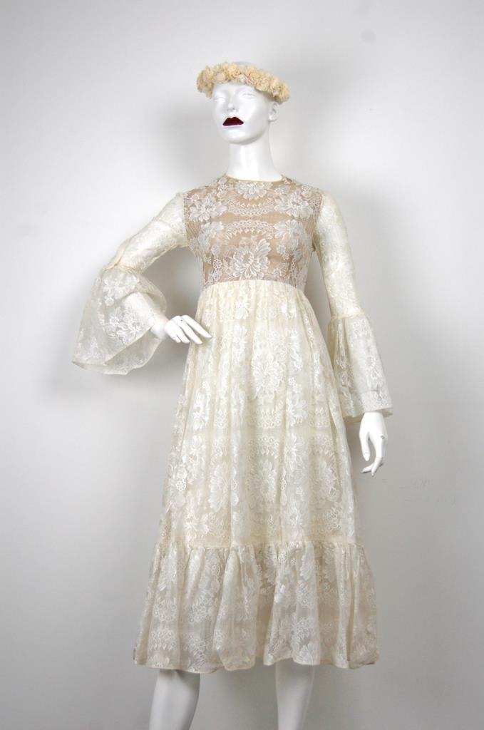 ADR001669 ベージュレースドレス
