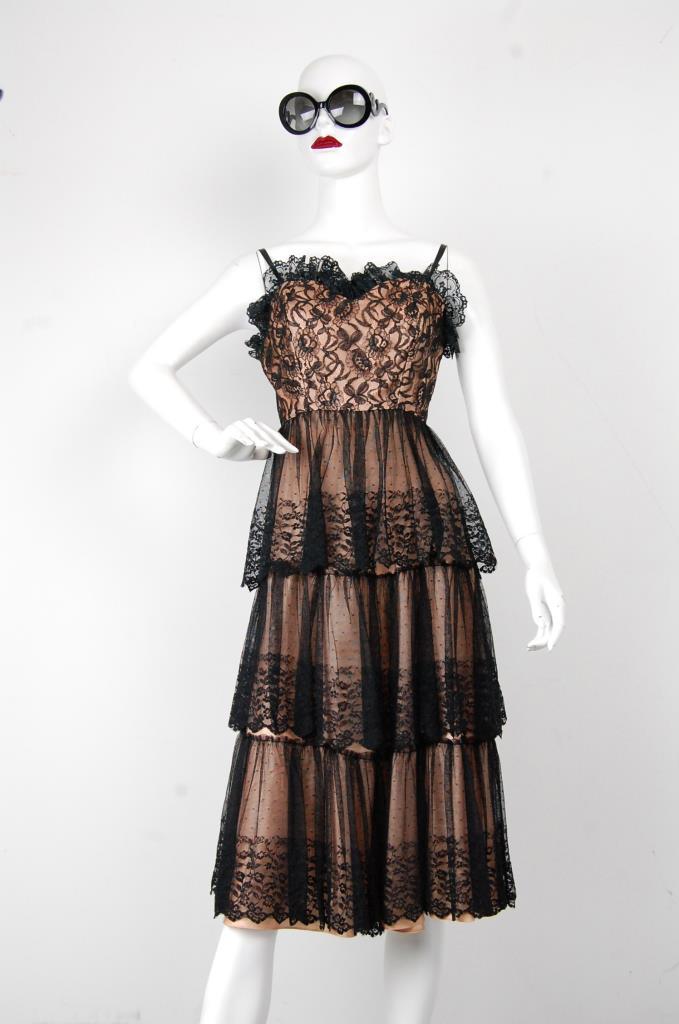 ADR001704 ブラックレースティアードドレス