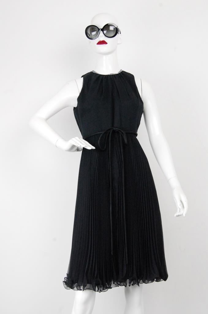 ADR001709 ブラックプリーツドレス