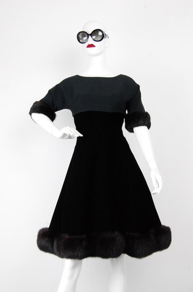 ADR001712 ブラックファードレス