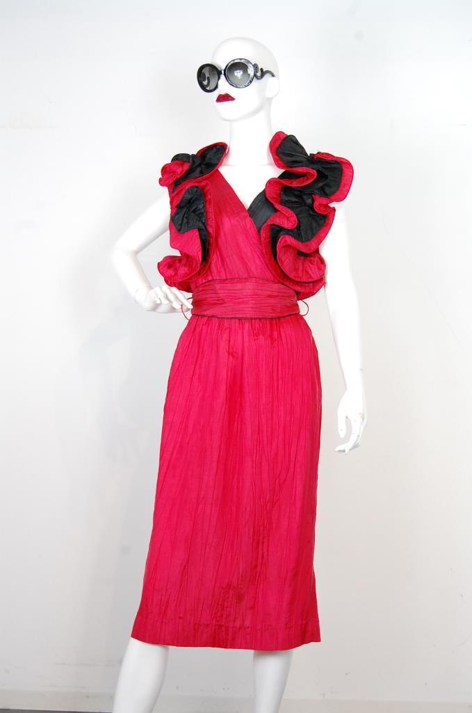 ADR001724 レッドフリルスリーブドレス