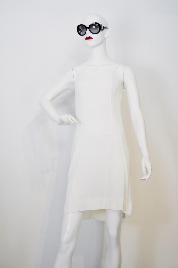 ADR001740 ホワイトドレス