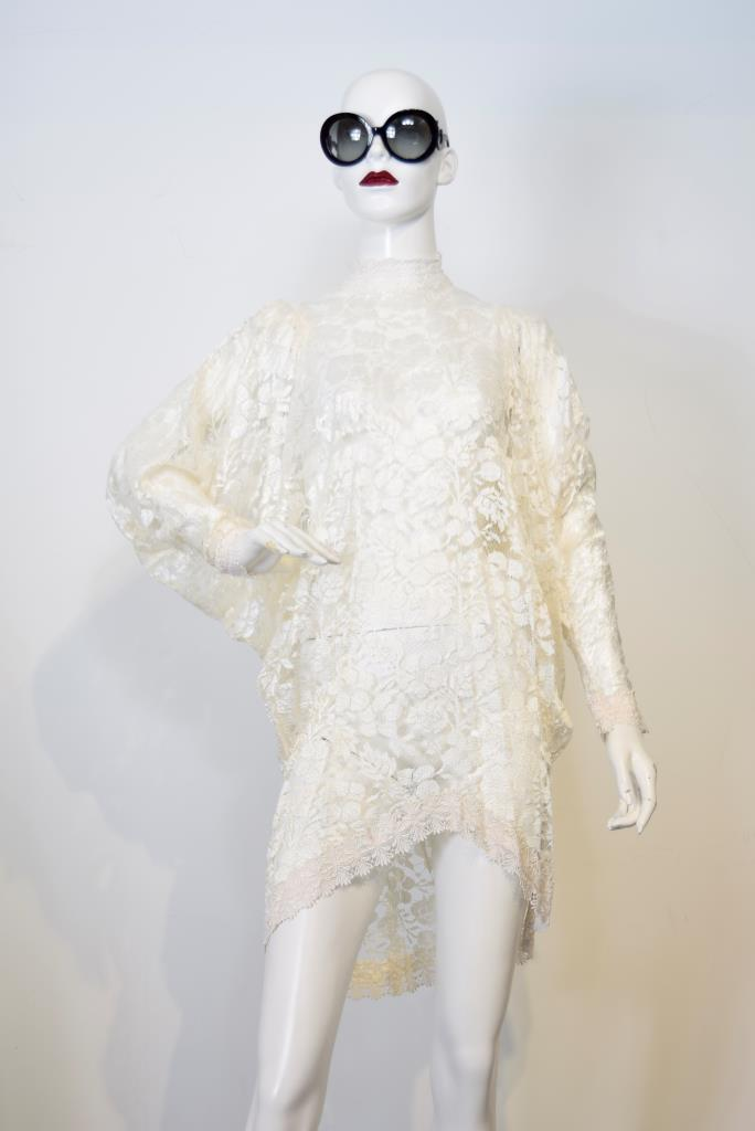 ADR001744 ベージュレースドレス