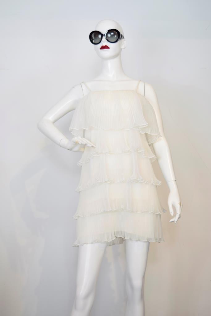 ADR001746 ホワイトティアードドレス