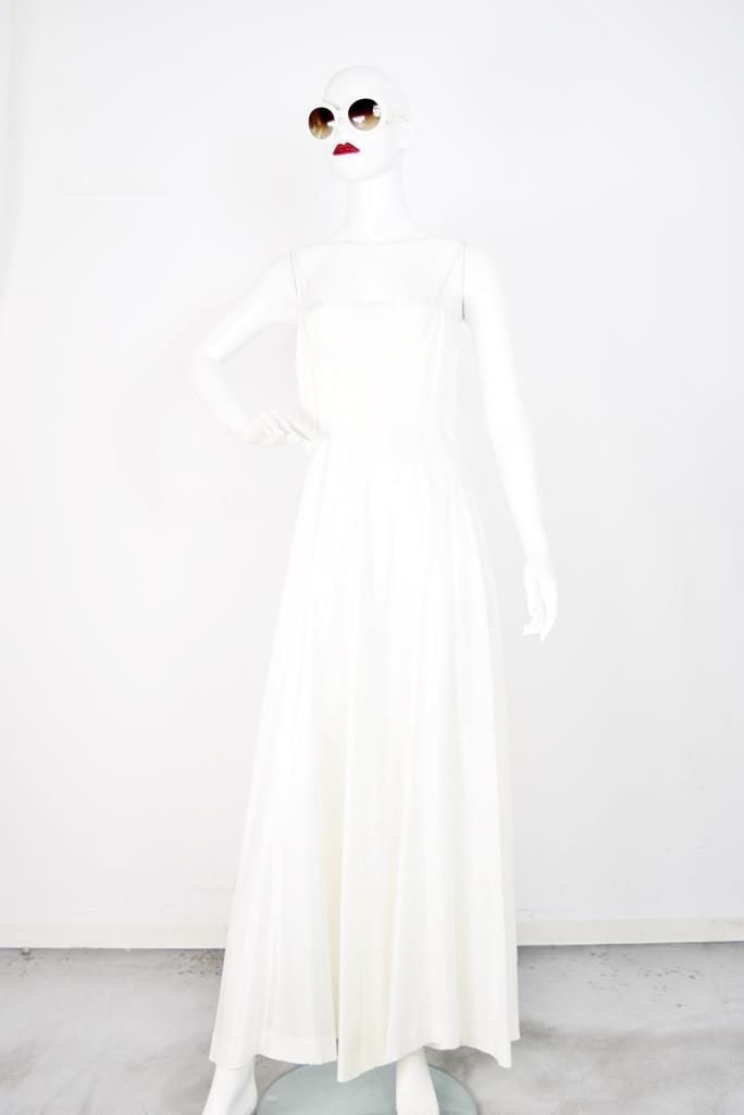 ADR001753 ホワイトフレアドレス