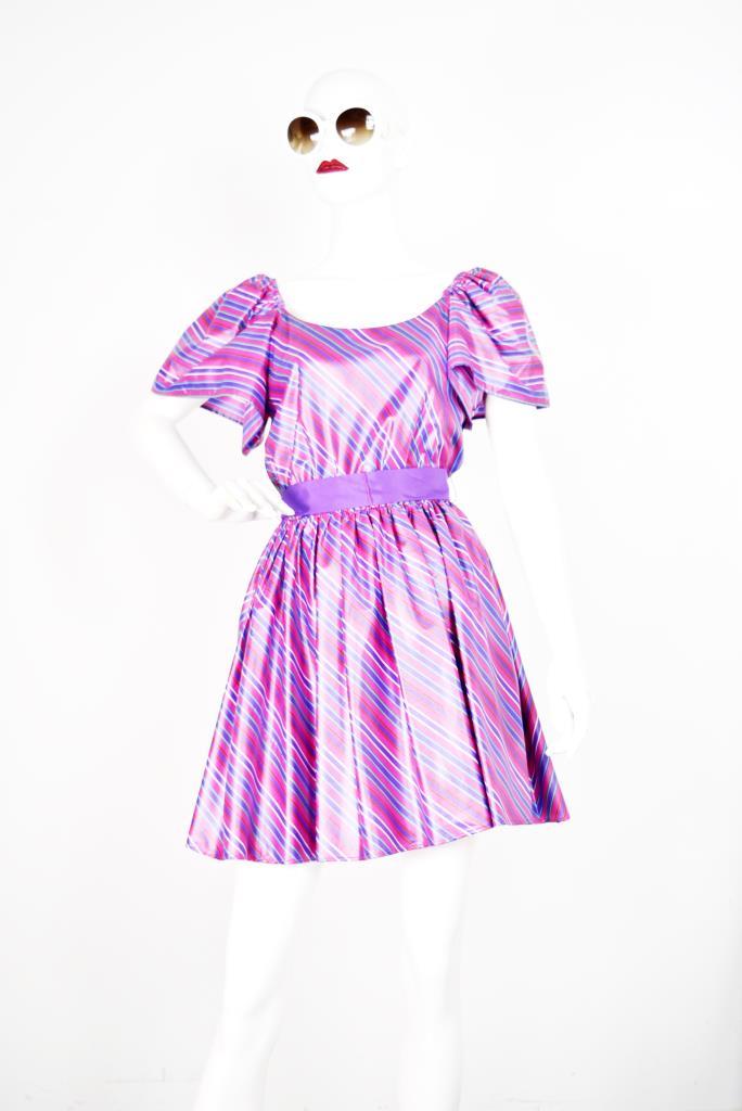 ADR001764 ピンクストライプ柄ドレス