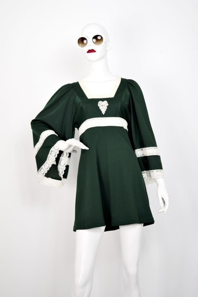 ADR001799 ブラック ホワイトレースドレス