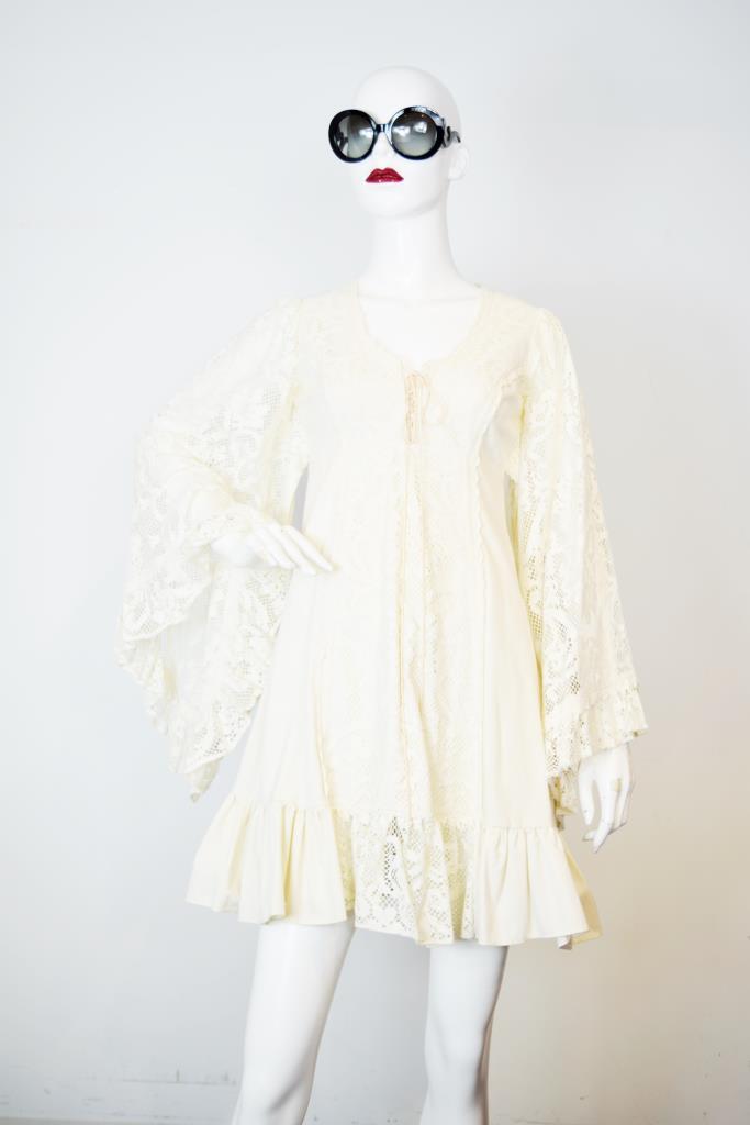 ADR001857 ホワイレースドレス