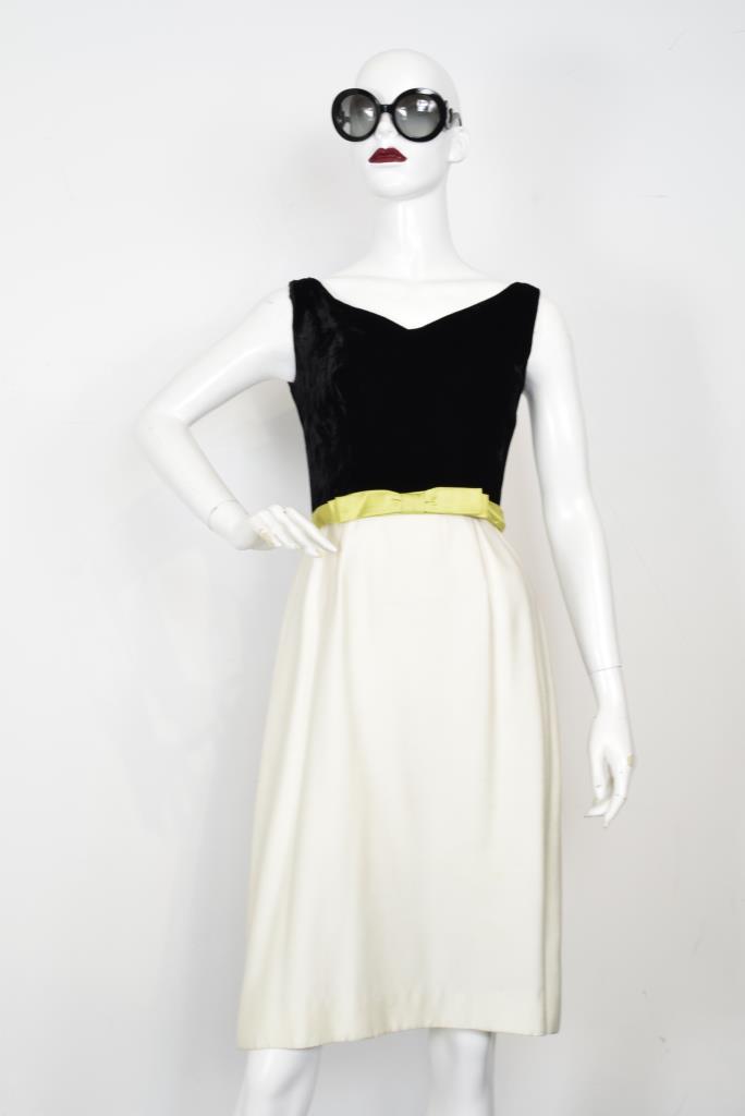 ADR001865 ブラックホワイトスカートドレス