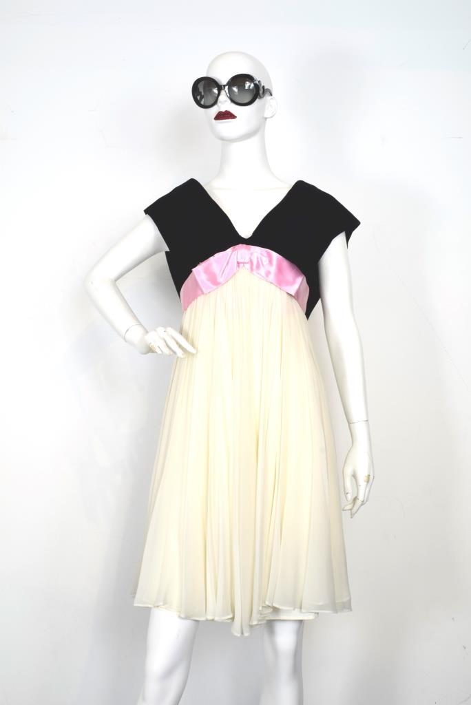 ADR001868 ブラックベージュプリーツドレス
