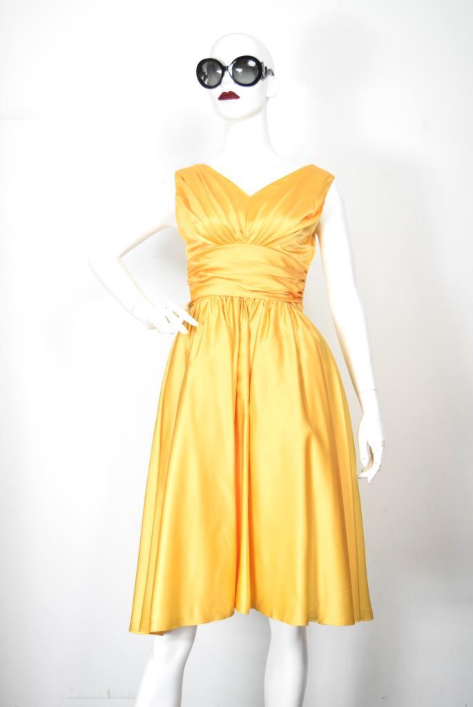ADR001880 ゴールドVネックドレス