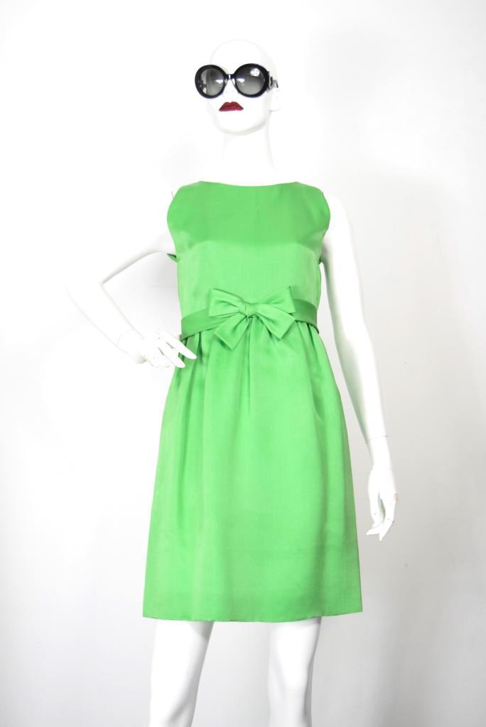 ADR001887 ライトグリーンドレス