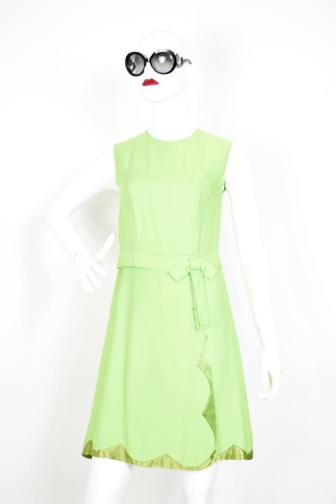 ADR001900 ライトグリーンドレス