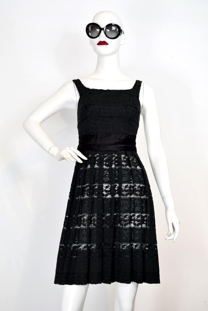 ADR001944 ブラックレースドレス
