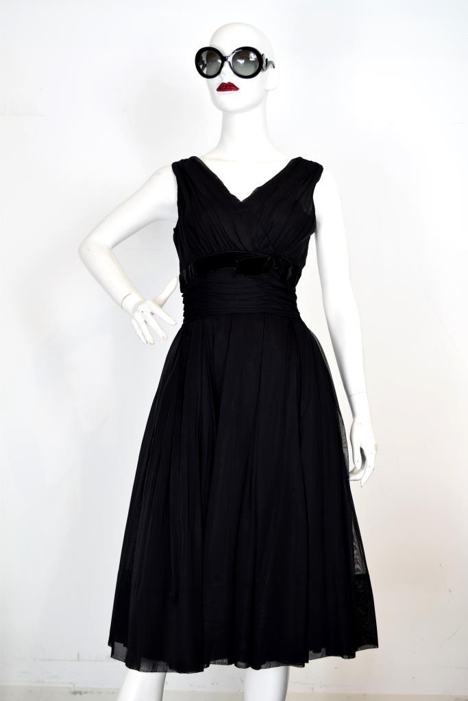 ADR001960 ブラックVネックドレス