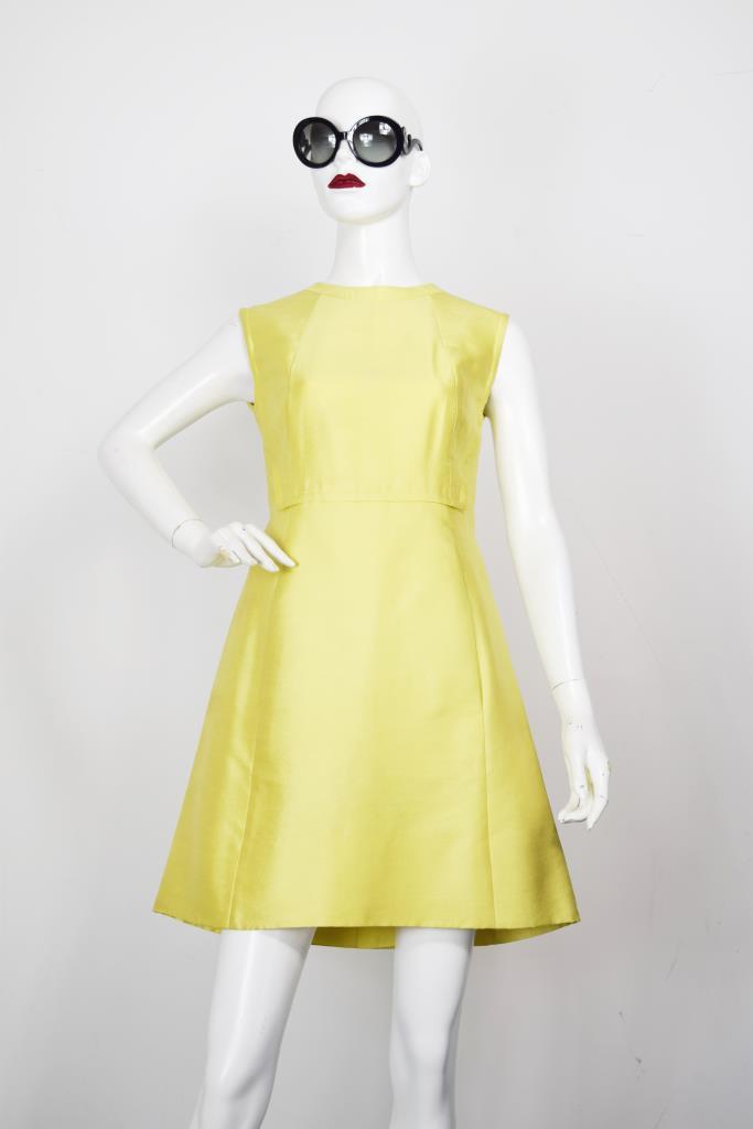 ADR001962 イエローノースリーブドレス
