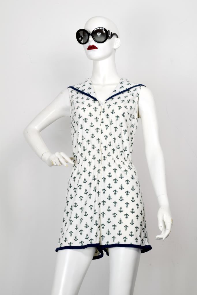 ADR001967 ホワイト総柄ドレス