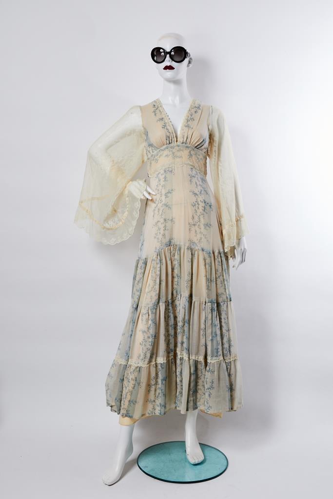 ADR100011 花柄ロングドレス