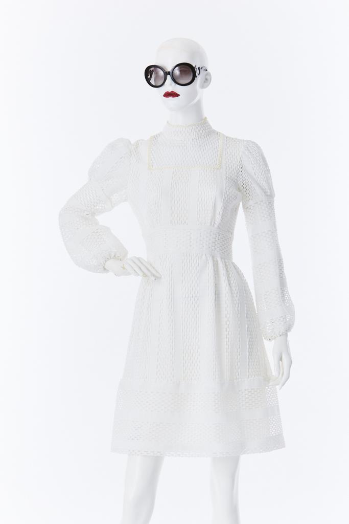 ADR500002 ホワイトハイネックドレス