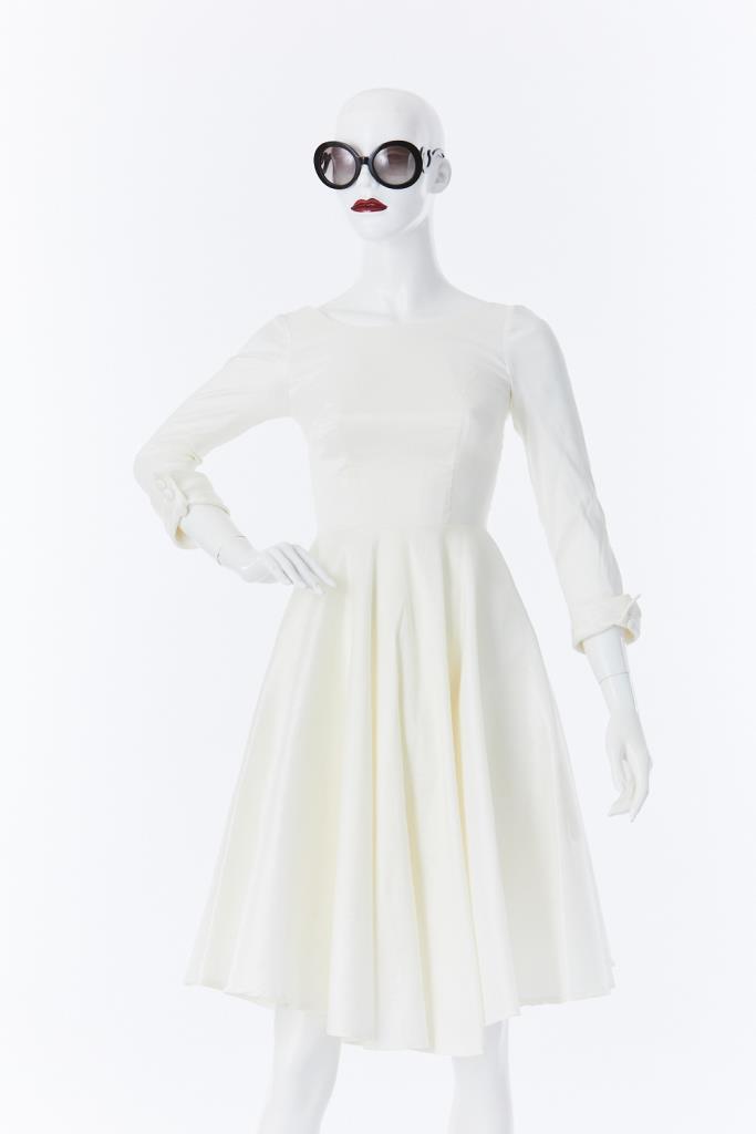 ADR500005 ホワイトバックオープンドレス