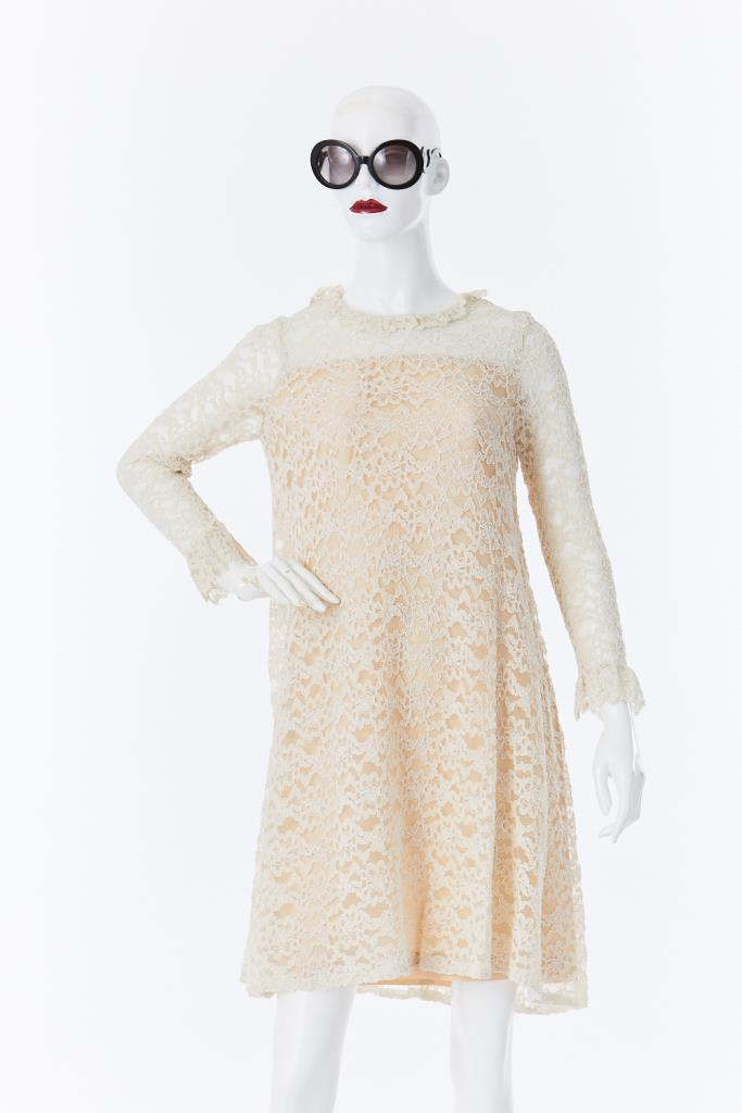 ADR500023 ベージュレースドレス