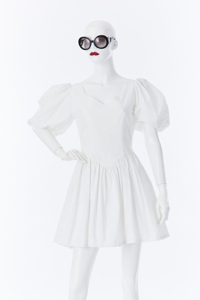 ADR500030 パフスリーブホワイトドレス
