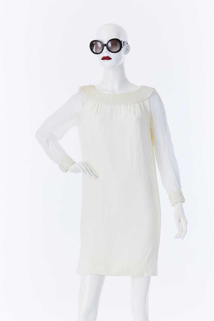 ADR500038 袖シースルーホワイトドレス