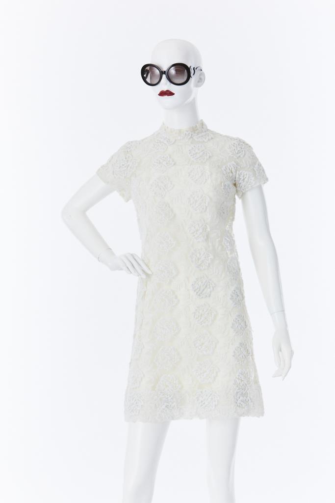 ADR500055 ハイネック花柄ドレス