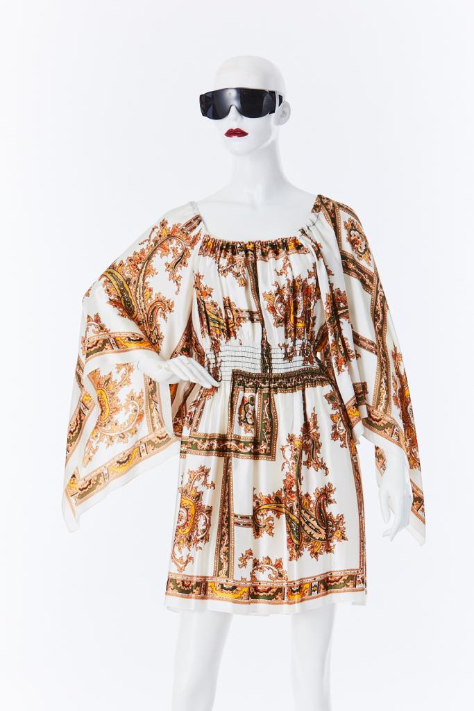 ADR500087 総柄ドレス