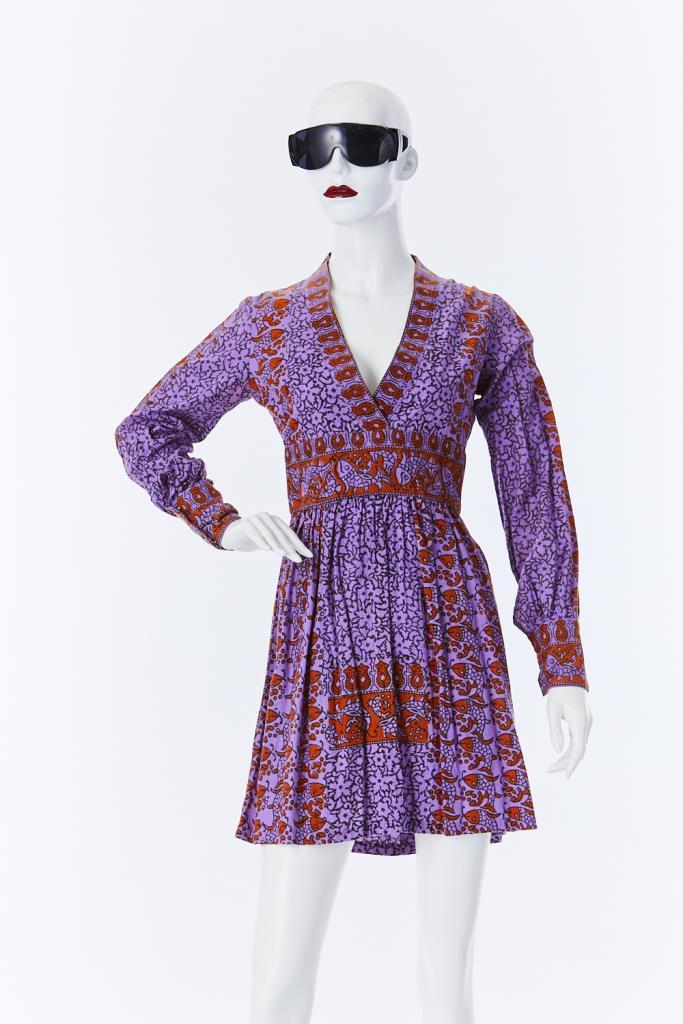 ADR500095 Vネックドレス