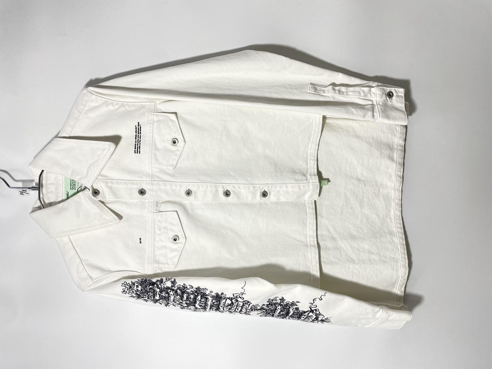OU555217 Off-White